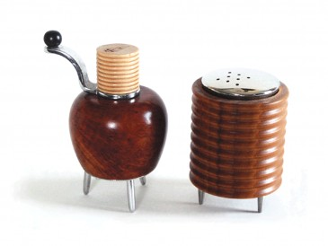 Twergi Briar Pepper Mill and Salt castor